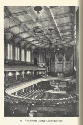 Unbekannter Photograph: Innenraum der Westminster Congregational Chapel, London. Quelle: Erik Routley, English Religious Dissent, Cambridge 1960, Abb. 14 (ursprünglich BBC).