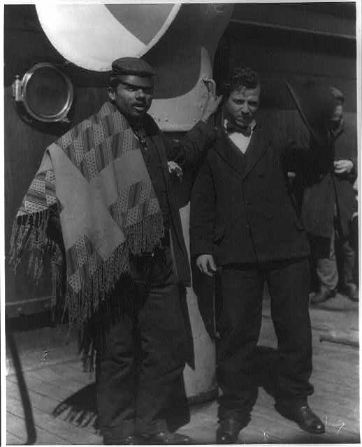 """Italian emigrants on """"Fried. de[r] Grosse"""", black-and-white photograph, c. 1910–1913, unknown photographer; source: Library of Congress, George Grantham Bain Collection, Reproduction Number: LC-USZ62-26617 (b&w film copy neg.), http://hdl.loc.gov/loc.pnp/cph.3a27415."""