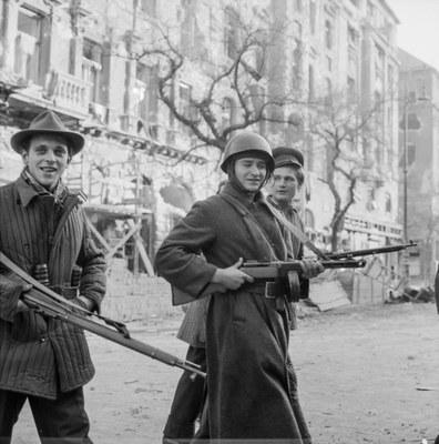 Hungarian Uprising 1956: Young Revolutionaries on the József körú IMG