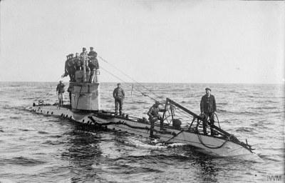 The German Navy in the First World War, Schwarz-Weiß-Photographie, ca. 1915–1917, Photograph: German official photographer; Bildquelle:  © IWM (Q 20220), Imperial War Museum, http://www.iwm.org.uk/collections/item/object/205193147, IWM Non Commercial Licence.