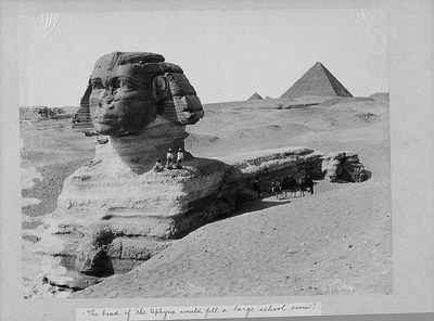 Anonym: The Sphinx, Egypt. Photographie, ohne Datum, vermutl. um 1900. Quelle: Library of Congress, Carpenter Ccollection, ca. 1880-1925. Digital ID: cph 3a02564 http://hdl.loc.gov/loc.pnp/cph.3a02564; Reproduction Number: LC-USZ61-797. Public Domain.