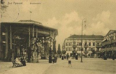 Brunnenplatz, Bad Pyrmont IMG