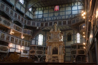 Innenansicht der Friedenskirche in Jauer, Farbphotographie, 2005, Photograph: Adam Kumiszcza; Bildquelle: Wikimedia Commons, http://commons.wikimedia.org/wiki/File:Jawor3.jpg?uselang=de.Creative Commons-Lizenz Namensnennung 3.0 Unported