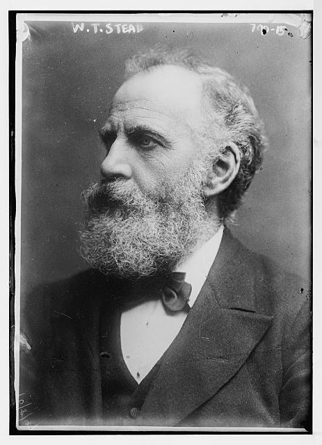 William Thomas Stead (1849-1912), Schwarz-Weiß-Photographie, o. J. [vor 1913],  Bain News Service, New York, USA; Bildquelle: Library of Congress, George Grantham Bain Collection, DIGITAL ID: (digital file from original neg.) ggbain 36519 http://hdl.loc.gov/loc.pnp/ggbain.03860.