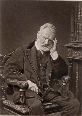 Victor Hugo (1802–1885), Schwarz-Weiß-Photographie, ca. 1875, Photograph: Comte Stanisław Julian Ostroróg dit Walery (1830–1890); Bildquelle: Horne, Charles F.: Great Men and Famous Women: A Series of Pen and Pencil Sketches of the Lives of More Than 200 of the Most Prominent Personages in History, New York 1894, vol. 7, S. 163, wikimedia commons, http://commons.wikimedia.org/wiki/File:Walery_-_Victor_Hugo.jpg