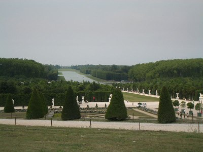 Der Garten von Versailles, Farbphotographie, 2006, Photograph: Michael Plasmeier; Bildquelle: Wikimedia Commons, http://commons.wikimedia.org/wiki/File:Palace_of_Versailles_Gardens_1.JPG.Creative Commons Attribution-Share Alike 3.0 Unported license.