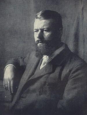 Max Weber (1864–1920), schwarz-weiß Photographie, o. J. [um 1903], unbekannter Photograph; Bildquelle: Weber, Marianne: Max Weber: Ein Lebensbild, Tübingen 1926, o. S. [Bildtafel VII].