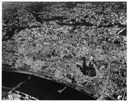 Unknown photographer, Aerial of destroyed Frankfurt old town in June 1945, after heavy Allied bombing raids (die Altstadt von Frankfurt nach den schweren Bombardements durch Alliierte, Luftbild von Juni 1945). Source: University of Wisconsin via Wikimedia Commons, https://commons.wikimedia.org/wiki/File:Frankfurt_1945_June_destructions_after_bombing_raids_old_town_aerial.JPG. Public domain.